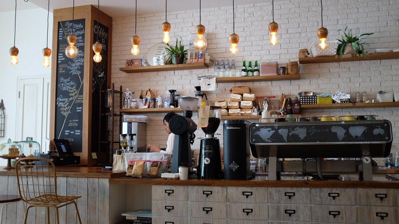 cafes-adorables-en-plein-air